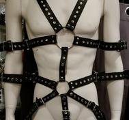 Leder Bondage Body Harness mit Ösen schwarz